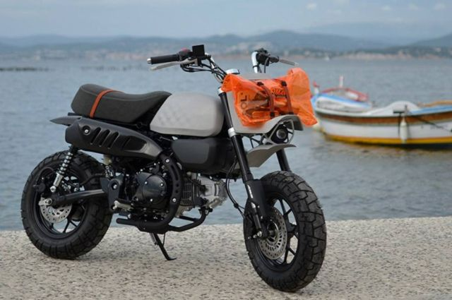 Viba Jane Honda Monkey Motorbike (2)