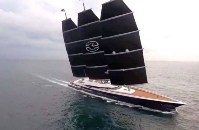 Behind the scenes of the Black Pearl 106m S/Y (1)