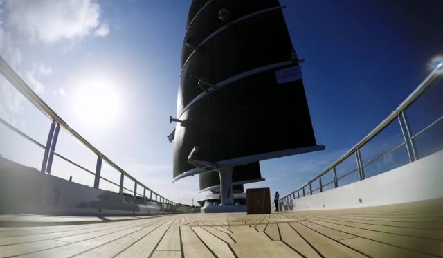 Behind the scenes of the Black Pearl 106m S/Y (2)