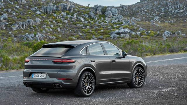 Porsche revealed the Cayenne Coupé (9)