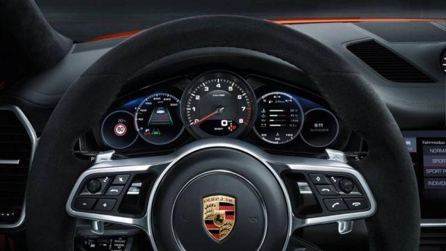 Porsche revealed the Cayenne Coupé (5)