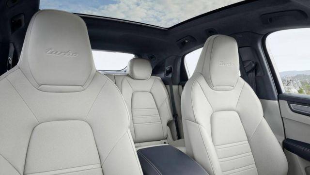 Porsche revealed the Cayenne Coupé (2)