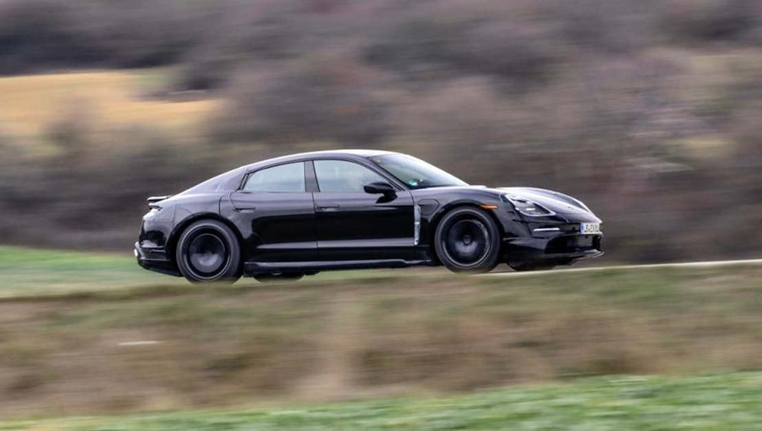 The new Porsche Taycan (1)