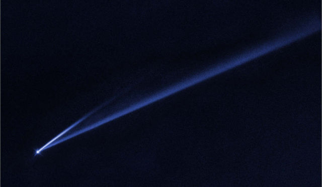 Hubble Watches Asteroid Coming Apart
