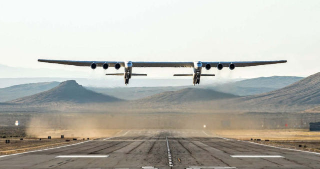 Maiden flight of World's Largest Plane (1)