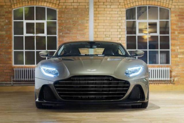 Aston Martin On Her Majesty's Secret Service DBS Superleggera (2)
