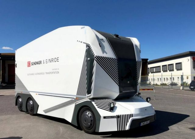 Driverless electric Einride T-Pod
