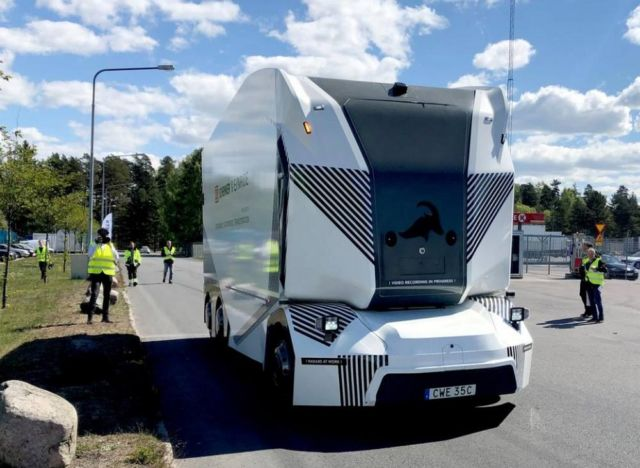 Driverless electric Einride T-Pod (3)