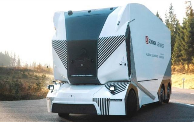 Driverless electric Einride T-Pod (1)