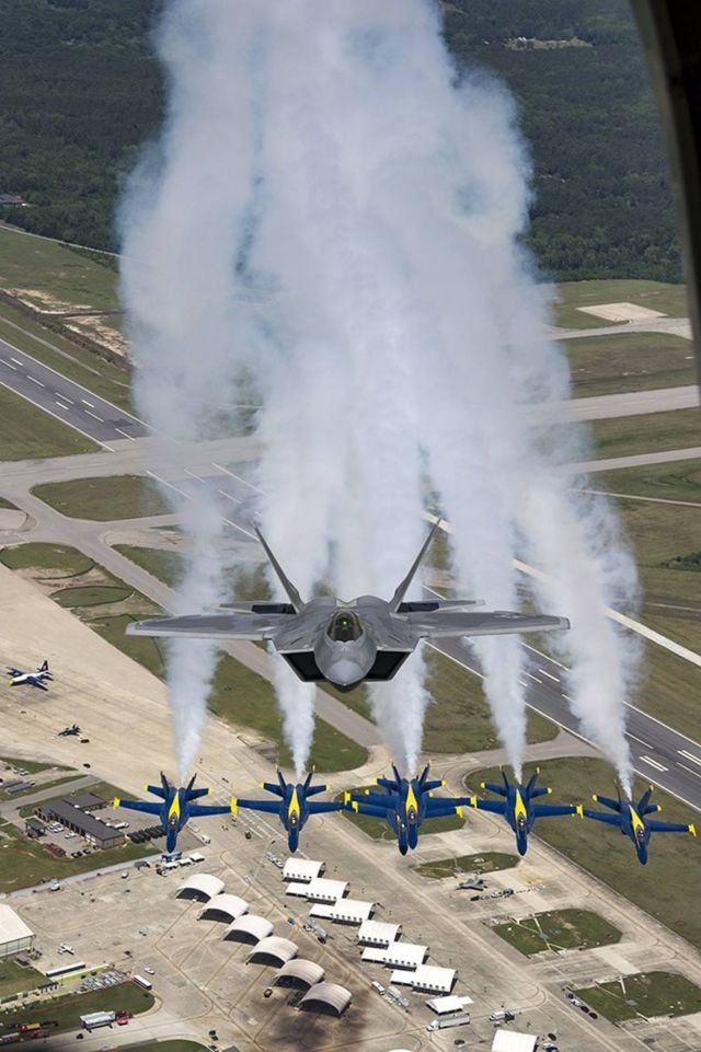 F-22 Raptor Flying With The Blue Angels