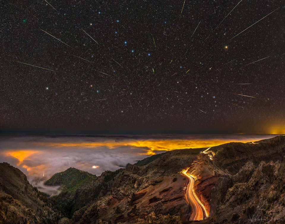 Meteors, Comet, and Big Dipper over La Palma