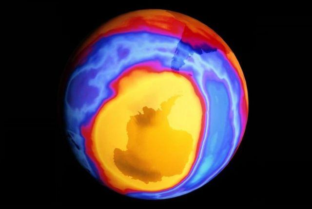 Ozone hole 2000