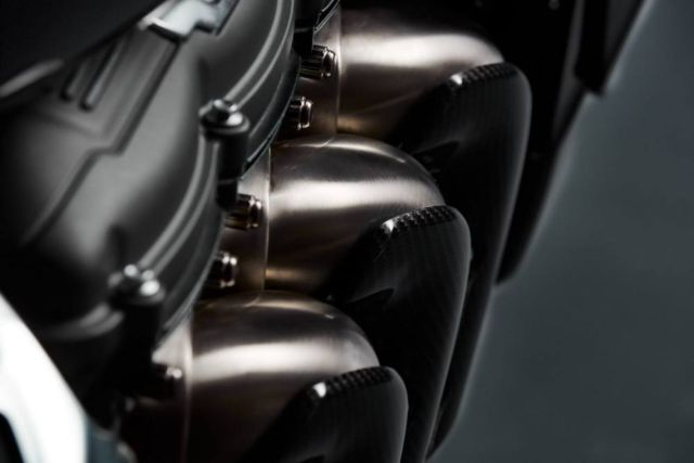 Triumph Rocket 3 TFC Motorcycle (2)