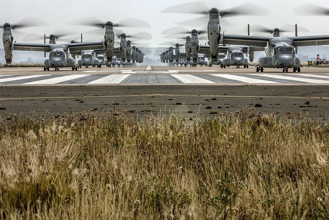 "41 helicopters in a massive ""Elephant Walk"" formation (4)"