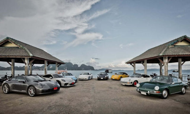 8 generations of the Porsche 911 in a video
