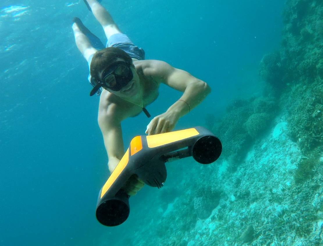 Trident Easy to use Underwater Scooter
