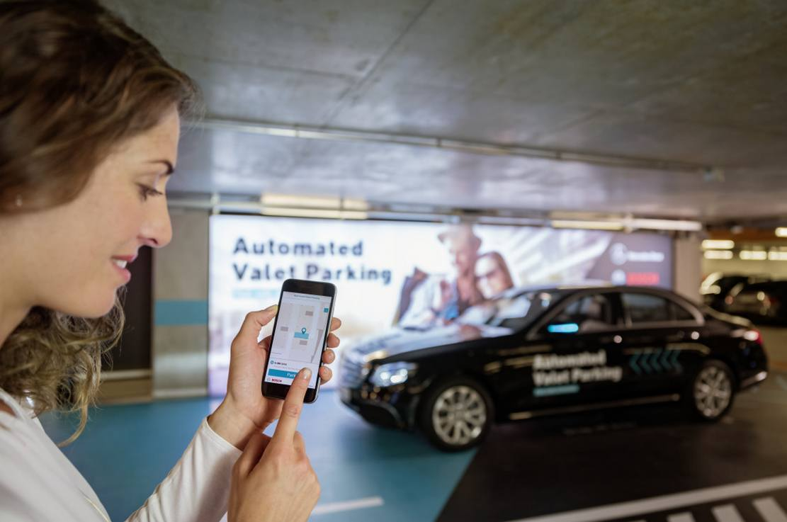 Bosch and Daimler obtain approval for Driverless Parking (4)