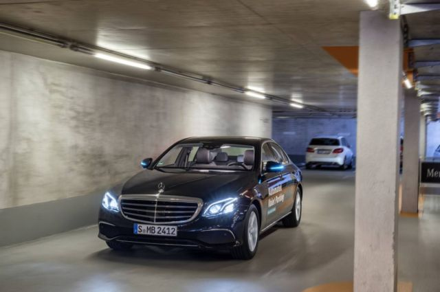 Bosch and Daimler obtain approval for Driverless Parking (1)