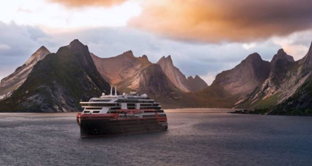 First ever Cruise Ship to sail on Battery power (4)