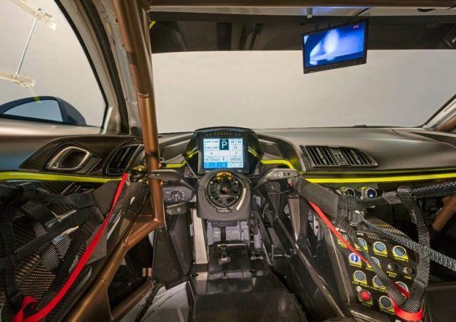 New Audi R8 LMS GT2 (7)