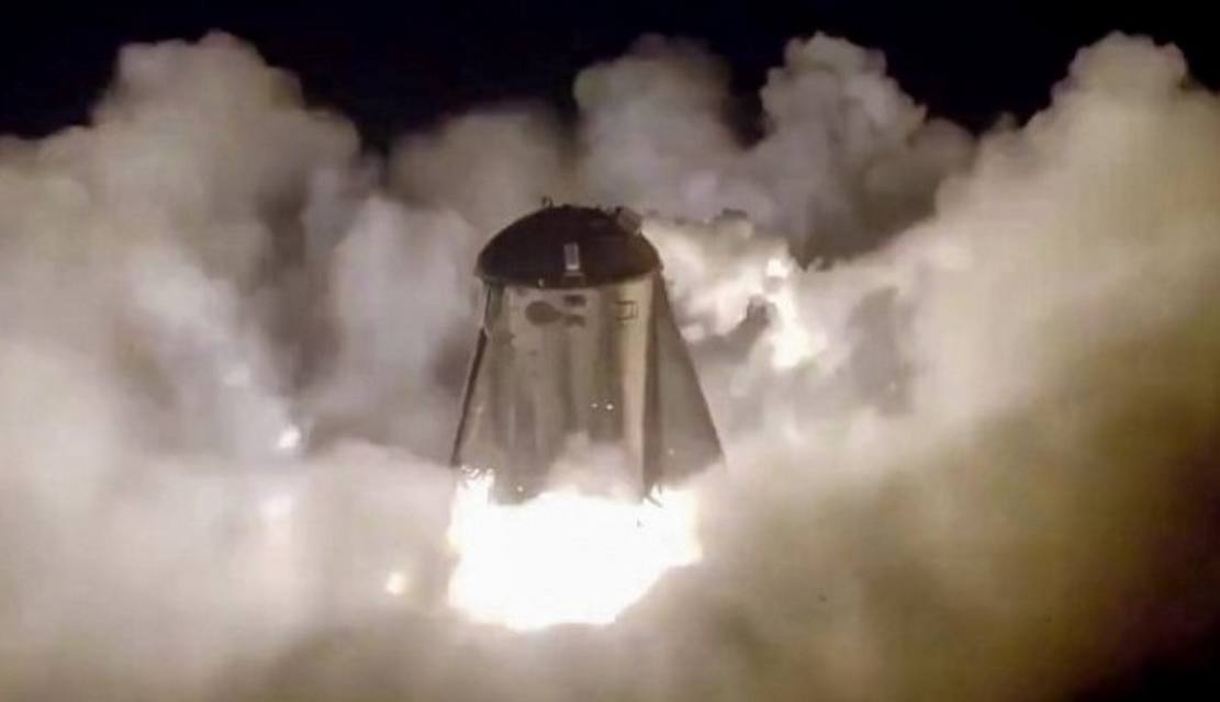 SpaceX Starhopper successfully makes its First Flight