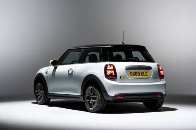 The new MINI Electric is coming next year (7)