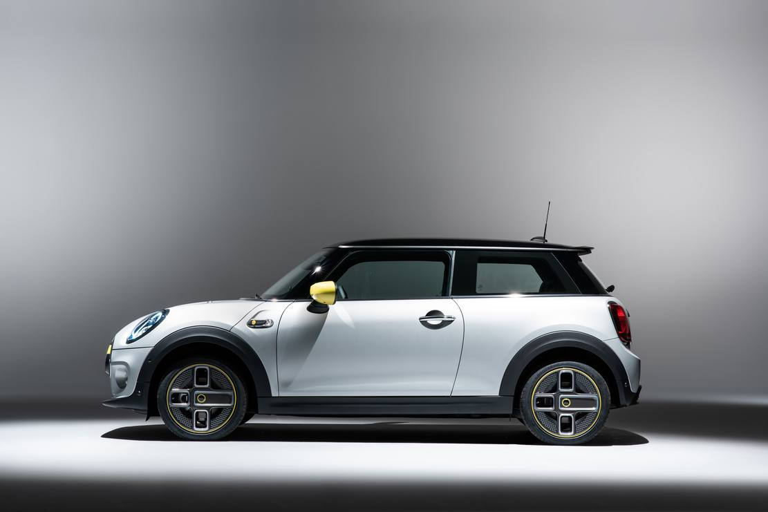 The new MINI Electric is coming next year (1)
