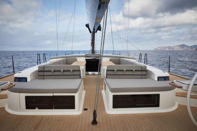 Y7 Sailing Yacht (5)