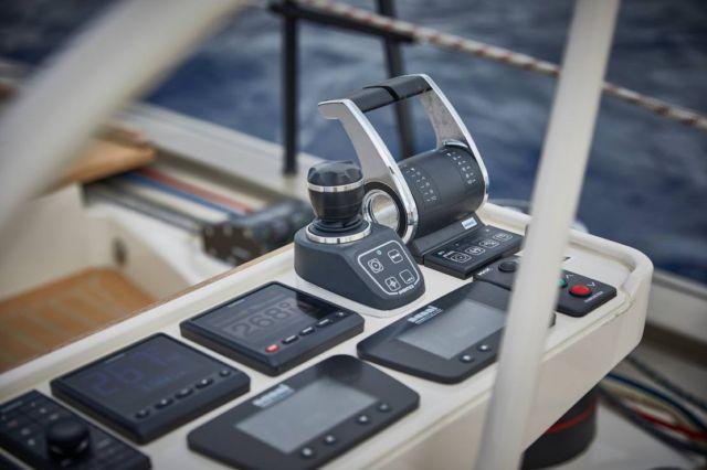 Y7 Sailing Yacht (3)
