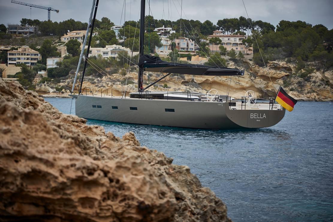 Y7 Sailing Yacht (1)