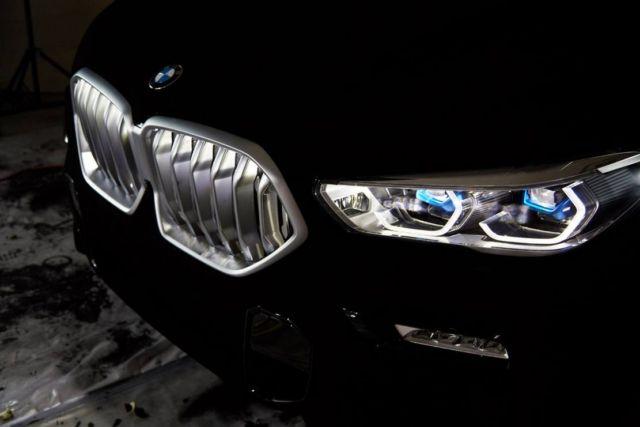 BMW unveils world's Darkest Car (3)