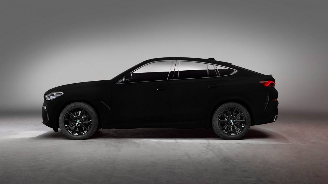 BMW unveils world's Darkest Car (2)