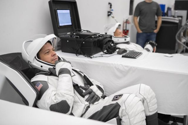 NASA Astronauts test SpaceX Spacesuits (3)
