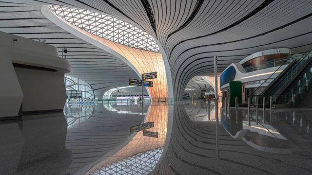 Zaha Hadid's Daxing Airport (2)
