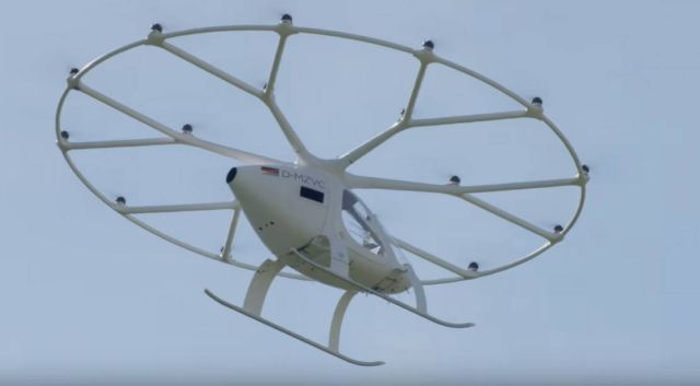 First urban flight of the Volocopter Air Taxi in Europe