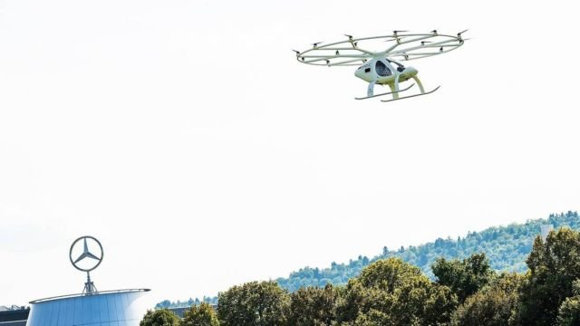 First urban flight of the Volocopter Air Taxi