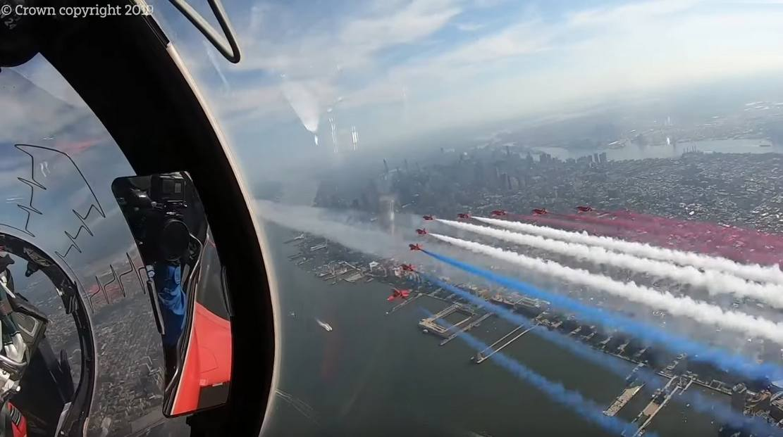 Flying with the Red Arrows in NYC - Pilot cam