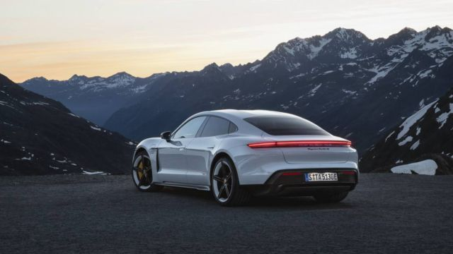 New Porsche Taycan officially unveiled (15)