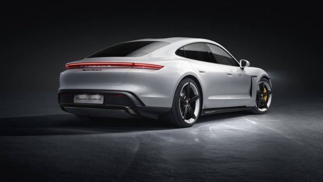 New Porsche Taycan officially unveiled (14)