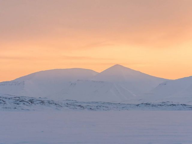 Northernmost hotel of the world (5)
