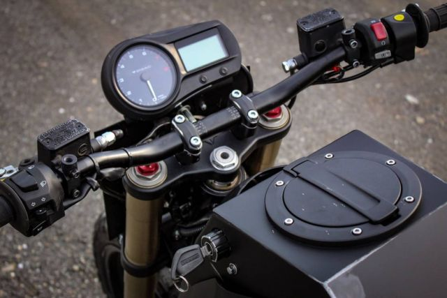 Droog Silent Assassin Motorcycle (2)