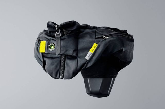 Hovding 3 cyclists Airbag Helmet