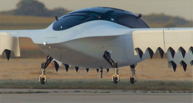 Lilium Air Taxi Flies over the countryside