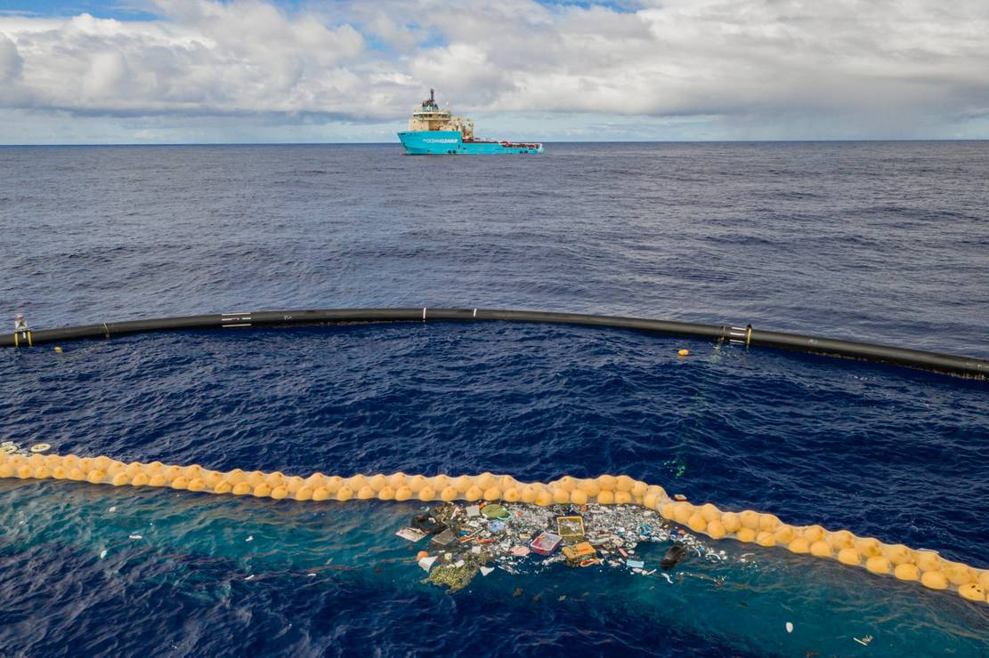 The Ocean Cleanup successfully catches Plastic (5)