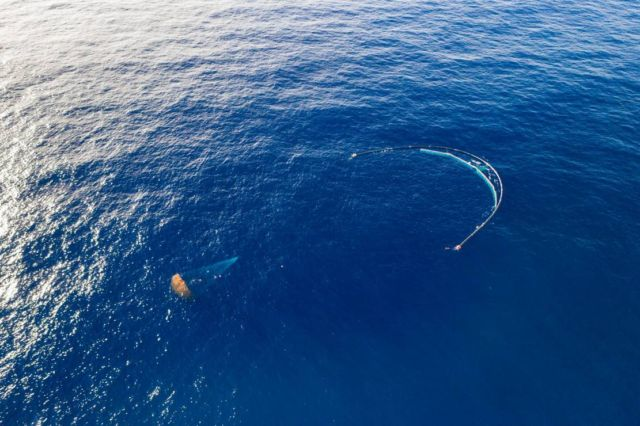The Ocean Cleanup successfully catches Plastic (1)