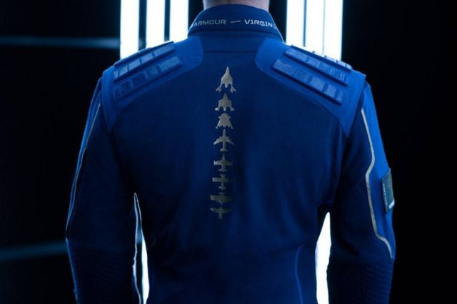 Virgin Galactic x Under Armour Spacesuit (6)