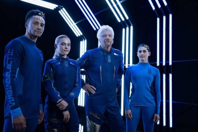 Virgin Galactic x Under Armour Spacesuit (5)