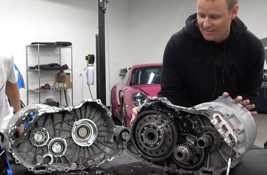 What's inside a Tesla Engine?