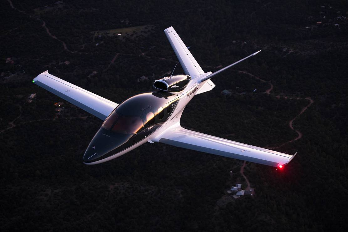 Cirrus Jet can Land itself with no Pilot