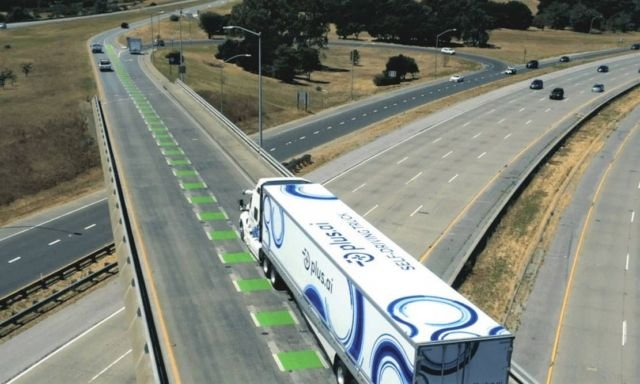 Autonomous Truck Completes First Cross-Country Freight Run